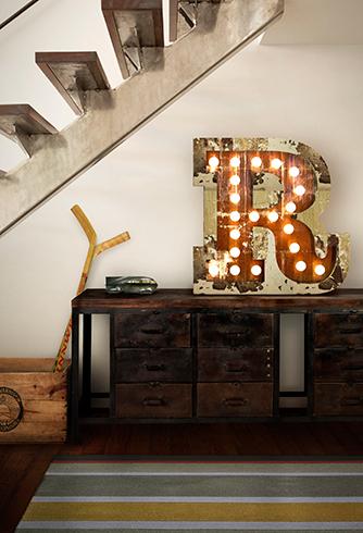 R Floor Graphic Light
