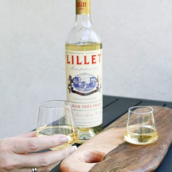 Sempli Aperitif in donjenna hand with Lillet